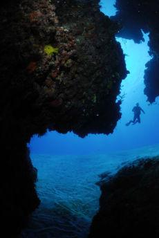 Swim-through onto fore-reef, Maria La Gorda