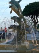 Dolphin Fountain, Playamar