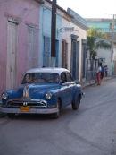 Blue car, Bayamo