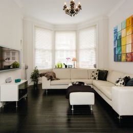 Black & White Lounge