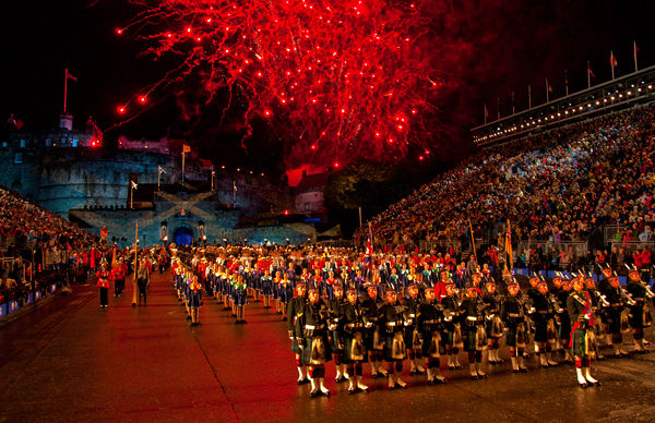 Scottish photographic circle the royal edinburgh military for Royal military tattoo